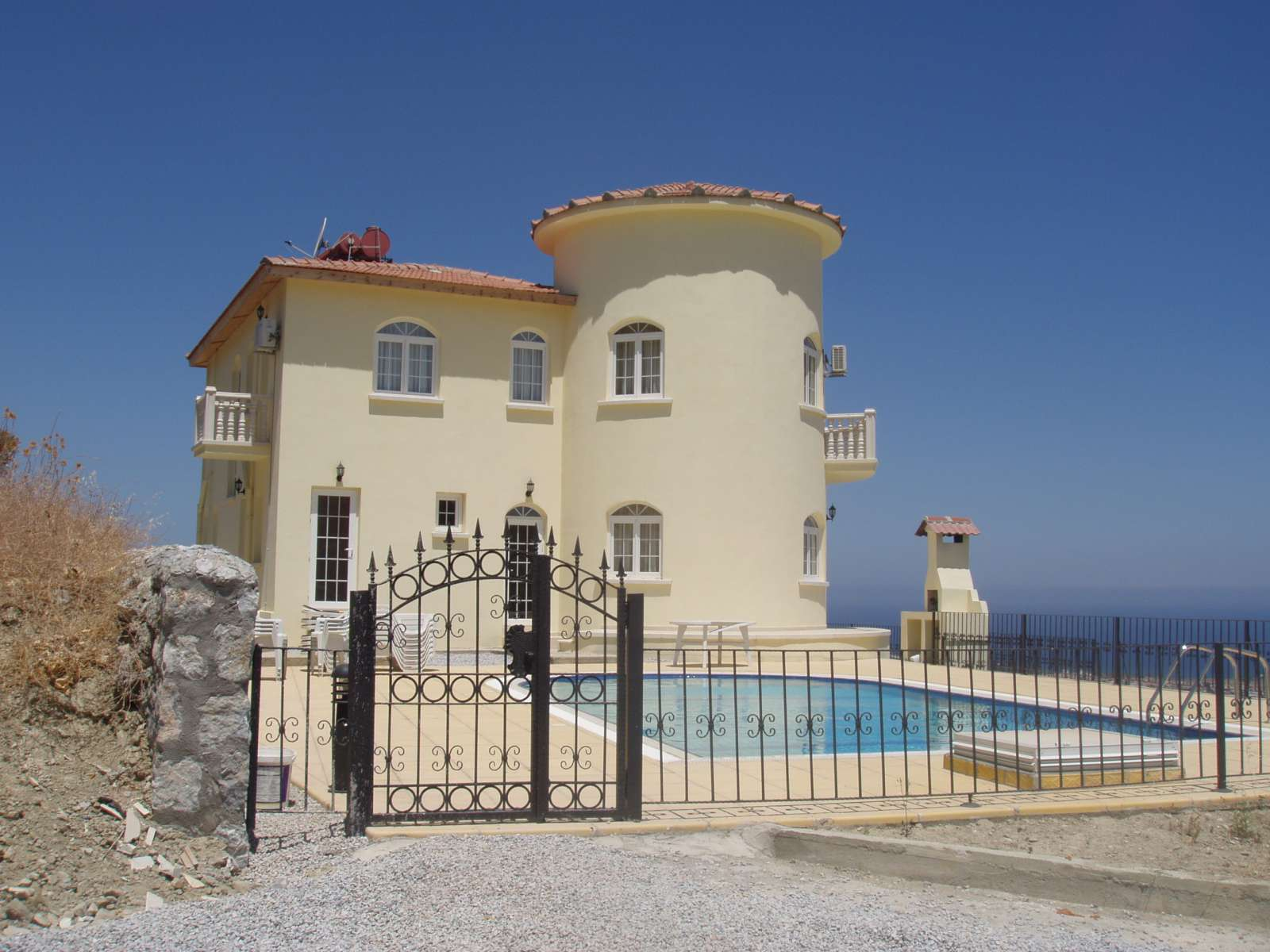 **JUST-REDUCED**-SPECTACULAR-FOUR-BEDROOM-VILLA-WITH-POOL---ÇATALKÖY-CA31